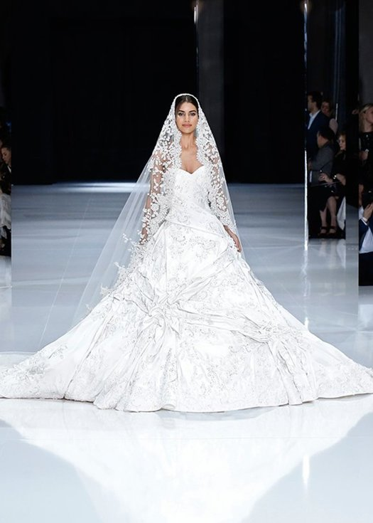 Meghan Markle Marries Ralph & Russo or Wait!?